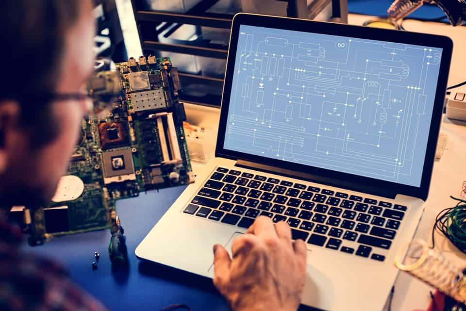 Elektroniker Geräte und Systeme